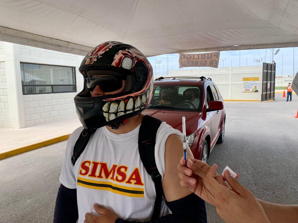Grupo Simsa en Torreón fue sede nuevamente de la jornada de vacunación para personas de 30 años y más este sábado